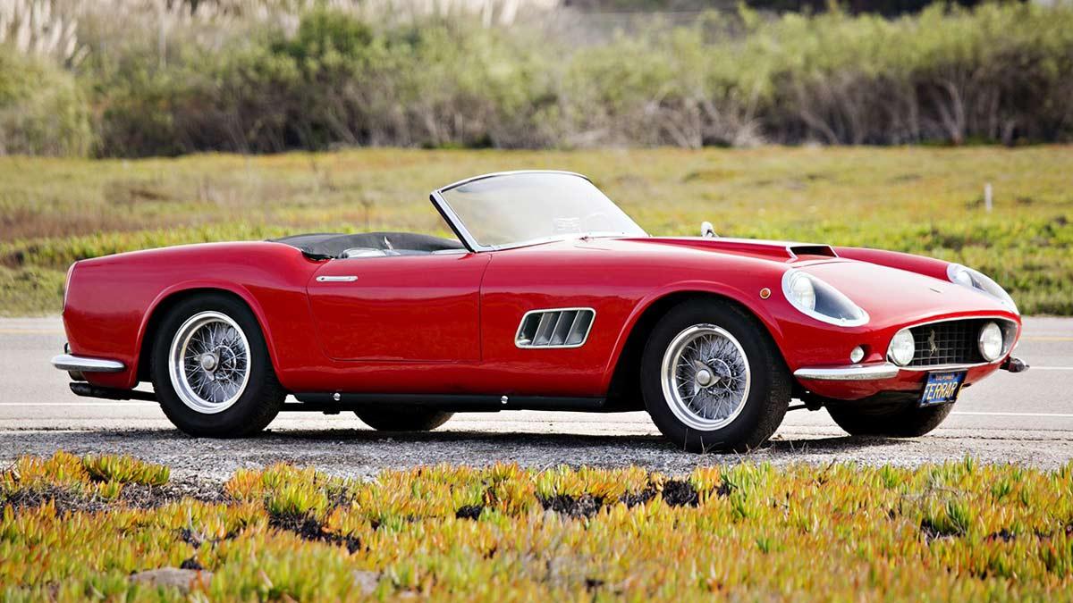 1959 Ferrari 250 GT LWB California Spider outdoors