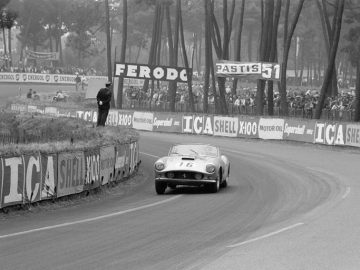1959 Ferrari 250 GT LWB California Spider Competizione at Le Mans