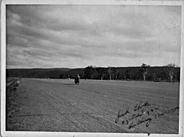 Ehret testing at Castlereagh airsstrip in October 1952 at 132mph