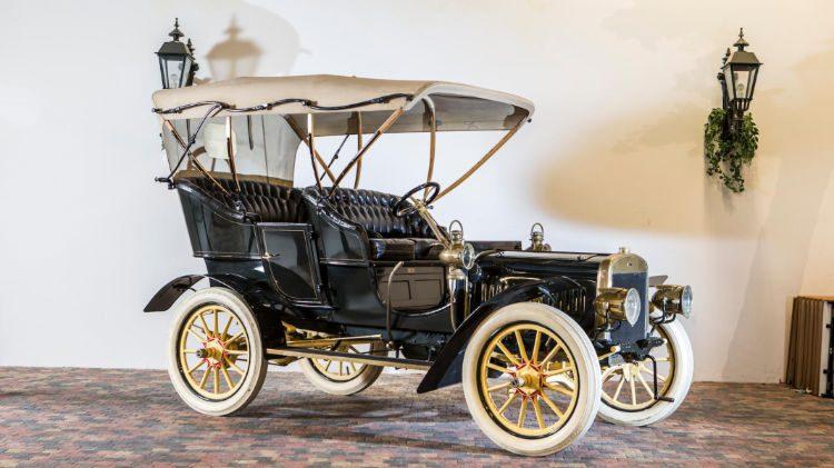 Den Hartogh 1905 Ford Model B Side Entrance Tonneau