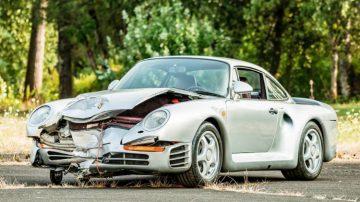 Crashed 1987 Porsche 959